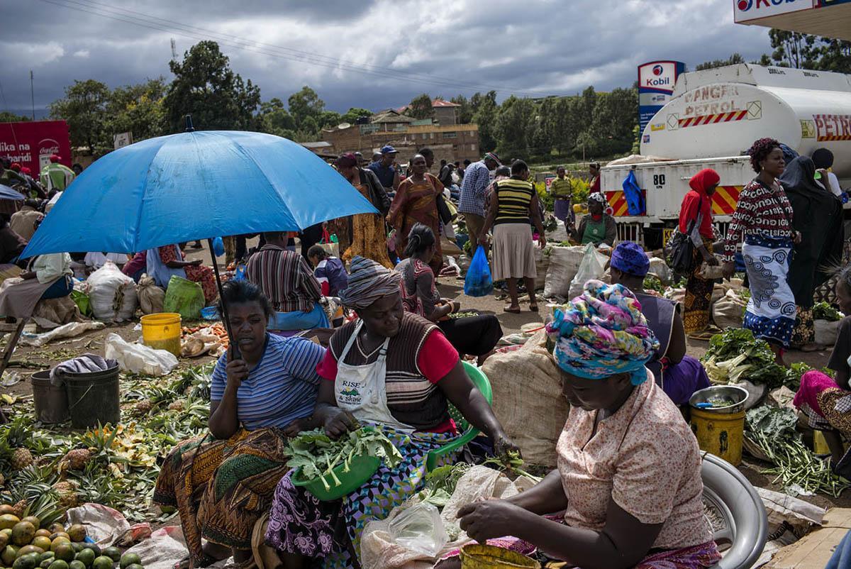 KENIA, AMBOSELI - FEBRUARY 2016: A group of women inside the local market Kimana community.